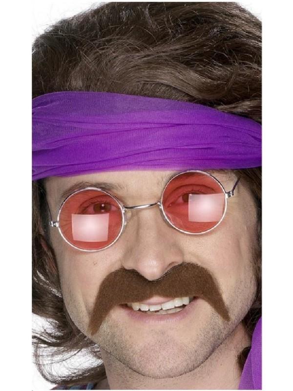 Moustache hippie châtain